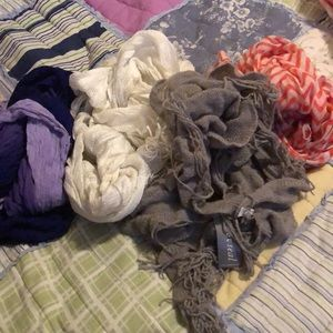 Mixed lot of four scarves
